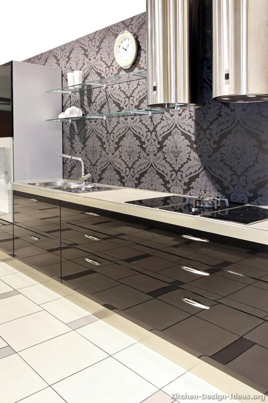 Black friday kitchen of the day glossy modern for Black kitchen backsplash ideas