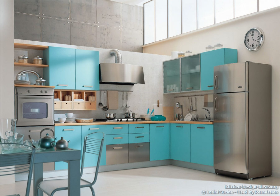 Latini cucine classic modern italian kitchens for Blue kitchen color ideas