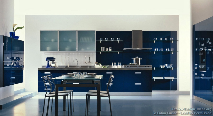 Latini cucine classic modern italian kitchens for Kitchen designs blue