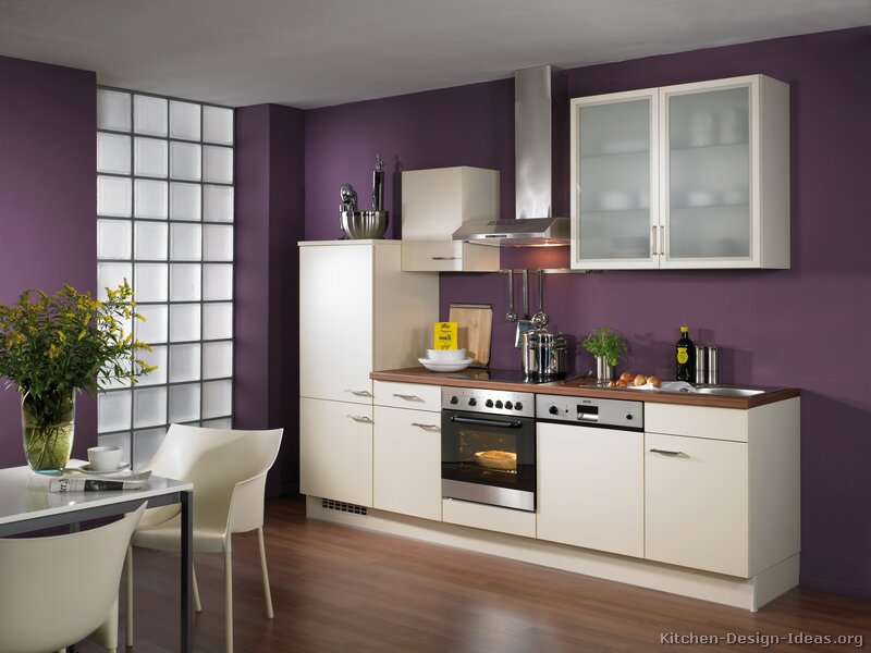 Remarkable Purple Kitchen Walls With White Cabinets 800 X 600 65 KB