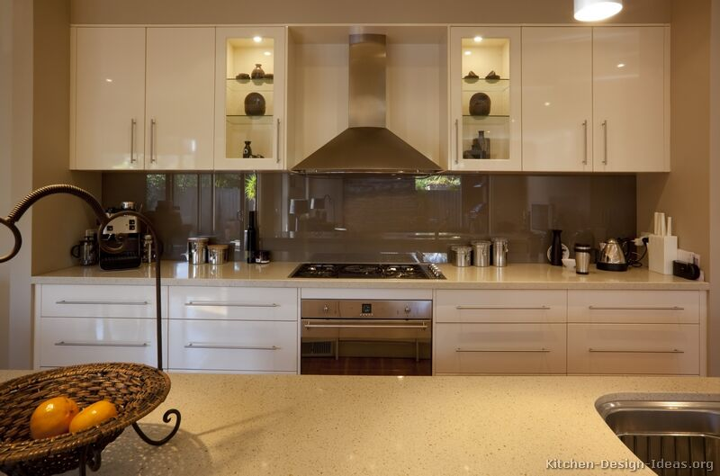Superieur Modern Antique White Kitchen