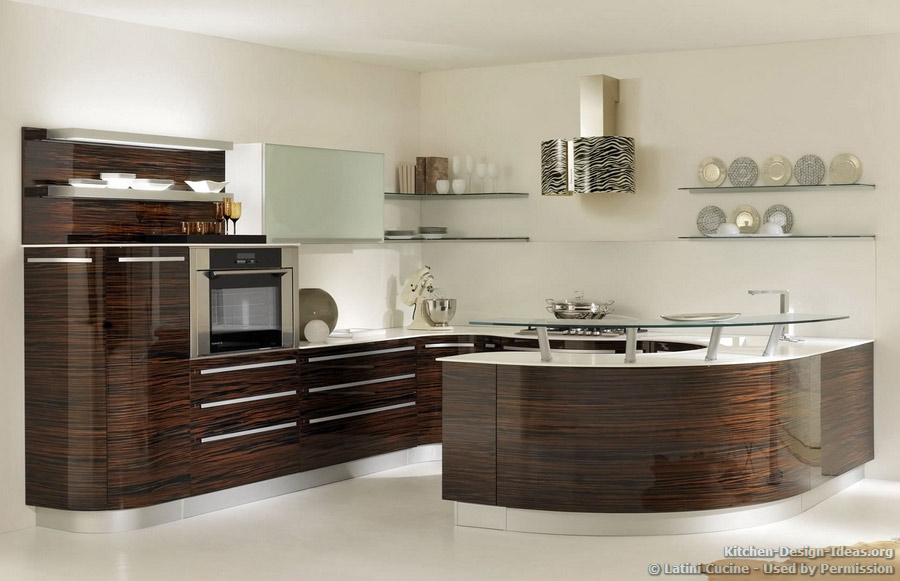 Latini cucine classic modern italian kitchens for Italian kitchen cabinets