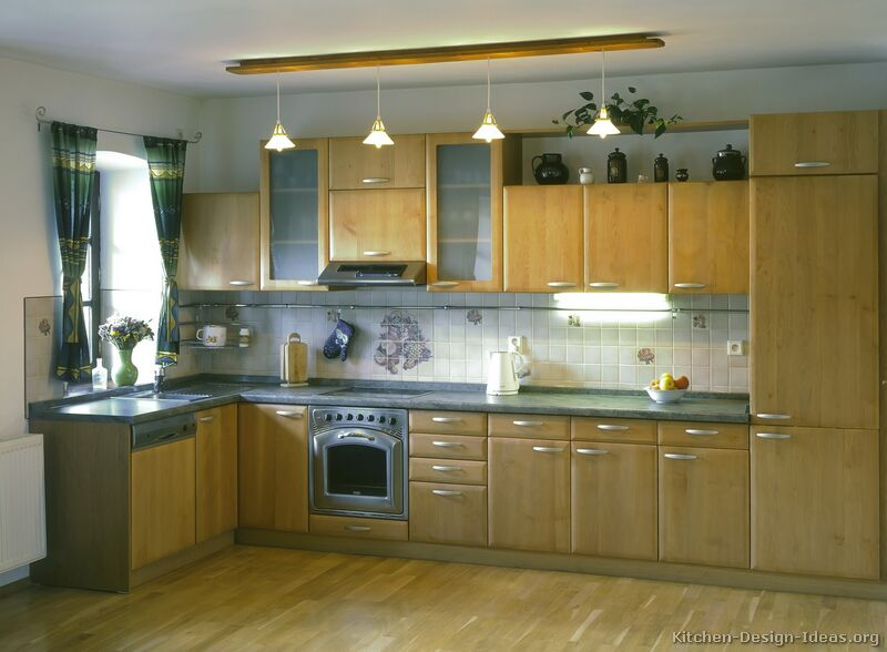 38, Modern Light Wood Kitchen