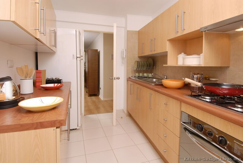 Pictures of kitchens modern light wood kitchen for Wooden kitchen cupboards