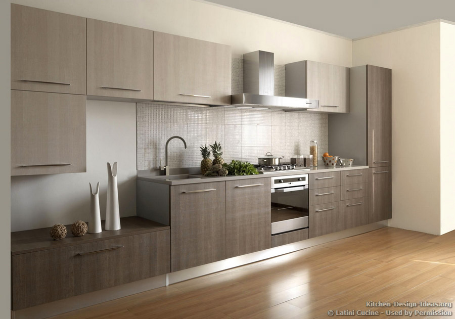 Latini cucine classic modern italian kitchens for Modern wood kitchen cabinets
