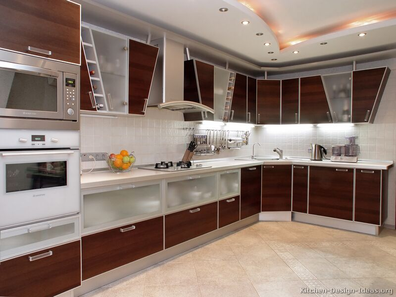Elegant Modern Medium Wood Kitchen