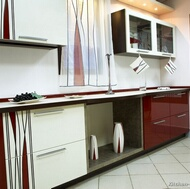 Modern Two-Tone Kitchens