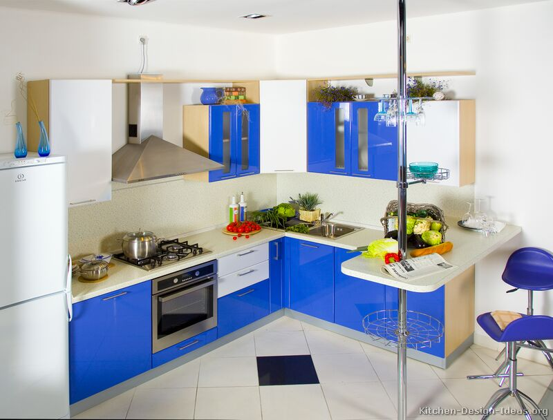 Modern blue kitchen cabinets pictures design ideas for White and blue kitchen ideas