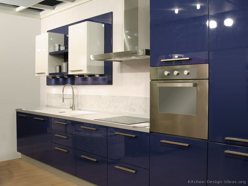 Modern blue kitchen cabinets pictures design ideas for Blue and white kitchen cabinets