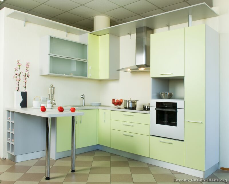 Pictures of Kitchens  Modern  Green Kitchen Cabinets -> Kuchnie W Bloku Male