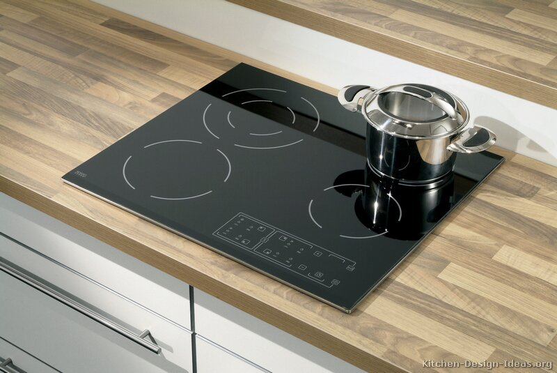 Countertop Stove : Pictures of Kitchens - Modern - White Kitchen Cabinets (Kitchen #13)