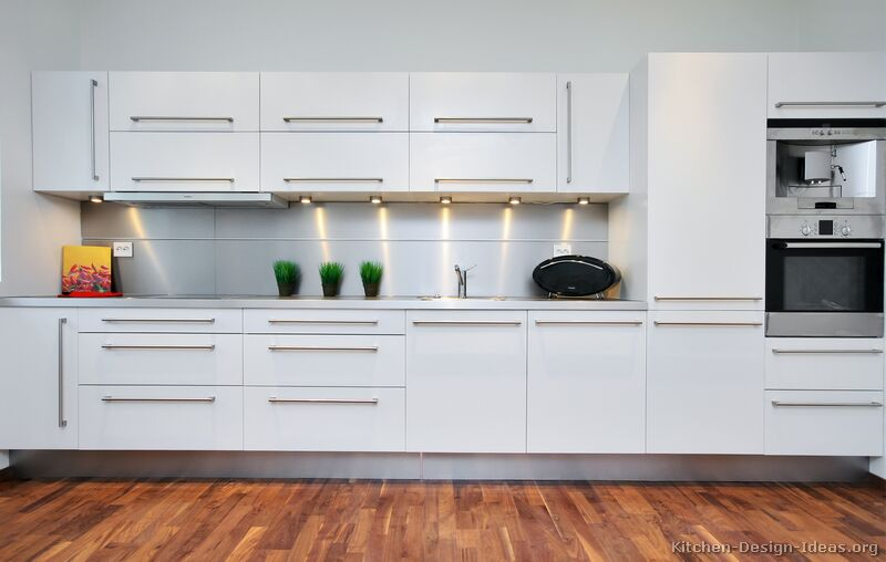 22 modern white kitchen - Modern Kitchen Cabinets Images