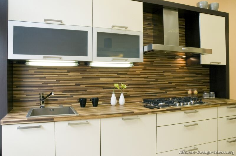 White Modern Kitchen Backsplash