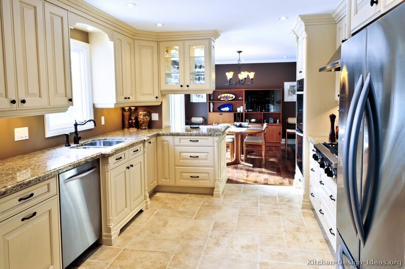 01     more pictures    traditional antique white kitchen pictures of kitchens   traditional   off white antique kitchen      rh   kitchen design ideas org