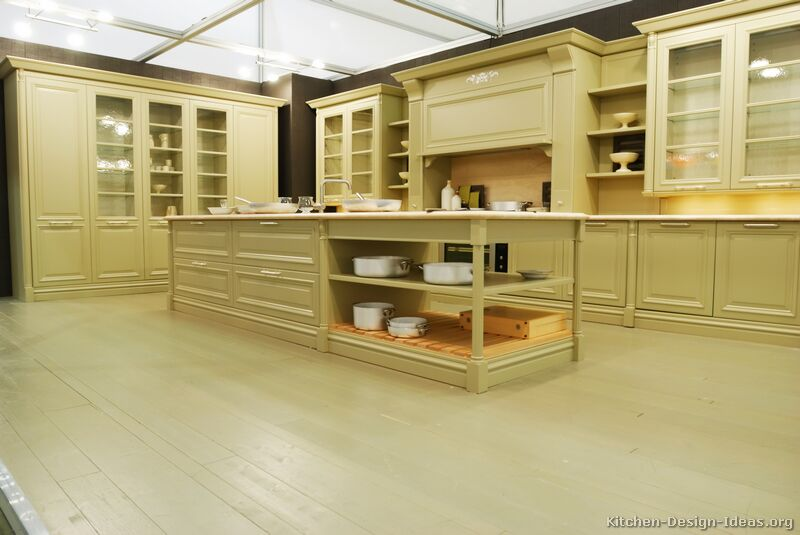 of Kitchens  Traditional  Off White Antique Kitchens (Kitchen #22