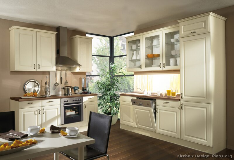 Pictures of kitchens traditional off white antique share the knownledge - Pictures of off white kitchen cabinets ...