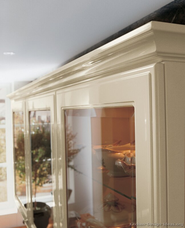 Of kitchens traditional off white antique kitchens kitchen 26