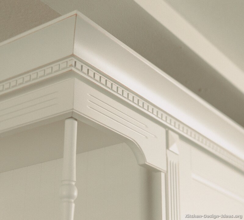 Kitchen cabinet crown molding for White kitchen cabinets with crown molding