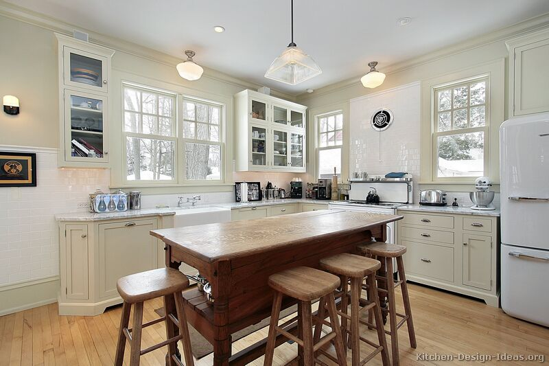 Pictures of kitchens traditional off white antique for Classic style kitchen ideas