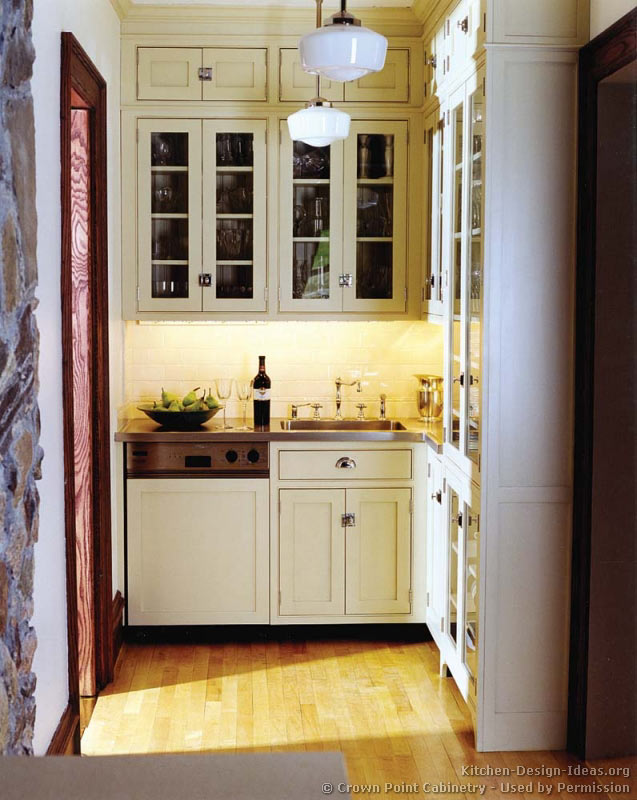 Victorian kitchens cabinets design ideas and pictures for Kitchen designs with butler pantry