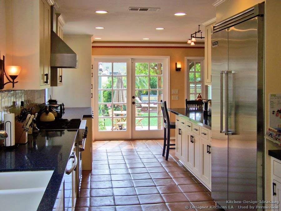 Designer kitchens la pictures of kitchen remodels for Classic kitchen floor tile