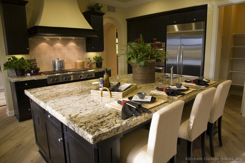 Pictures of kitchens traditional black kitchen cabinets for Kitchen remodel ideas black granite