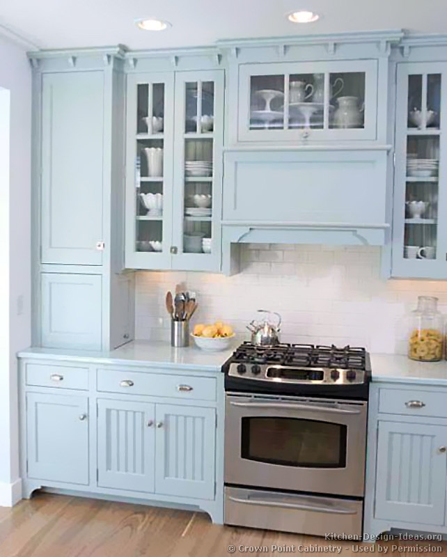 Pictures of kitchens traditional blue kitchen cabinets for Kitchen designs blue