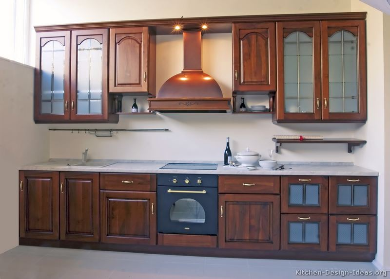 Italian kitchen design traditional style cabinets decor for Hanging cabinet design for kitchen