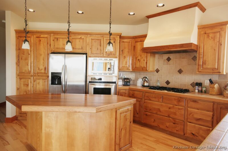 Wooden Kitchen Design Ideas Part - 28: Traditional Light Wood Kitchen