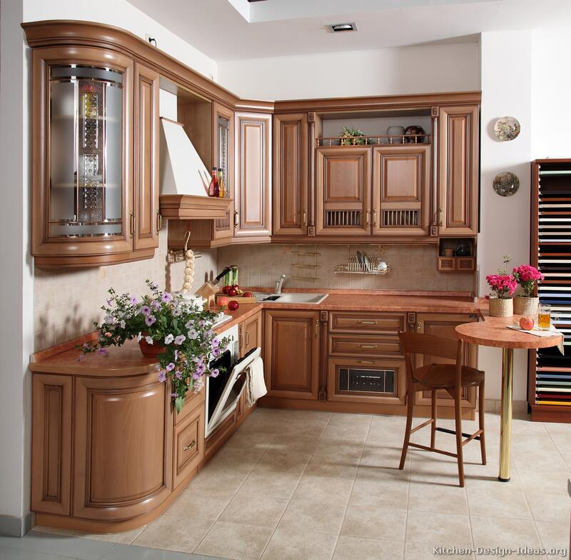 Pictures of kitchens traditional light wood kitchen for Kitchen cabinet design photos