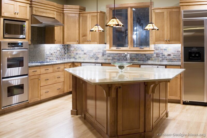 Craftsman kitchen design ideas and photo gallery Wood kitchen design gallery
