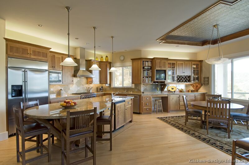 Pictures of kitchens traditional light wood kitchen for Arts and crafts kitchen design ideas