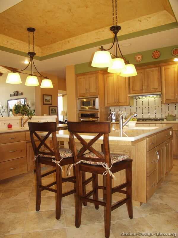 Light oak kitchen ideas Kitchen design with light oak cabinets