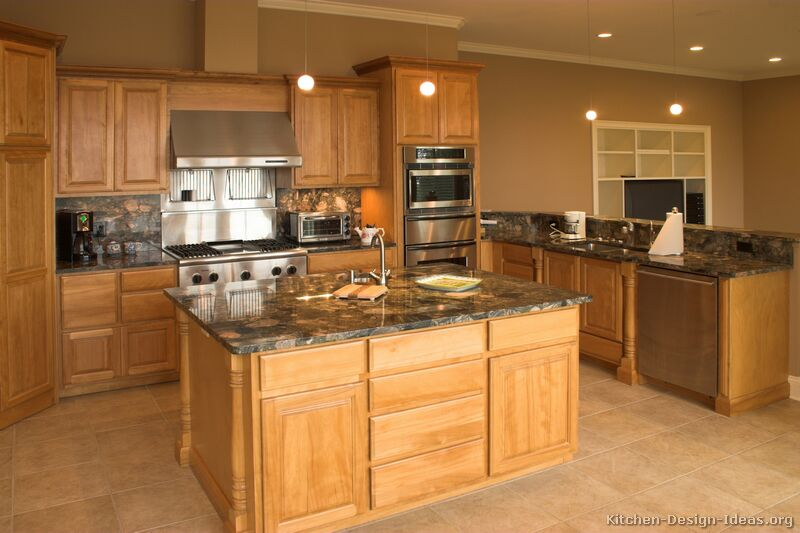 Pictures of kitchens traditional light wood kitchen for Traditional kitchen appliances