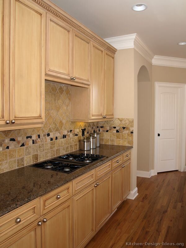of Kitchens  Traditional  Light Wood Kitchen Cabinets (Kitchen #17