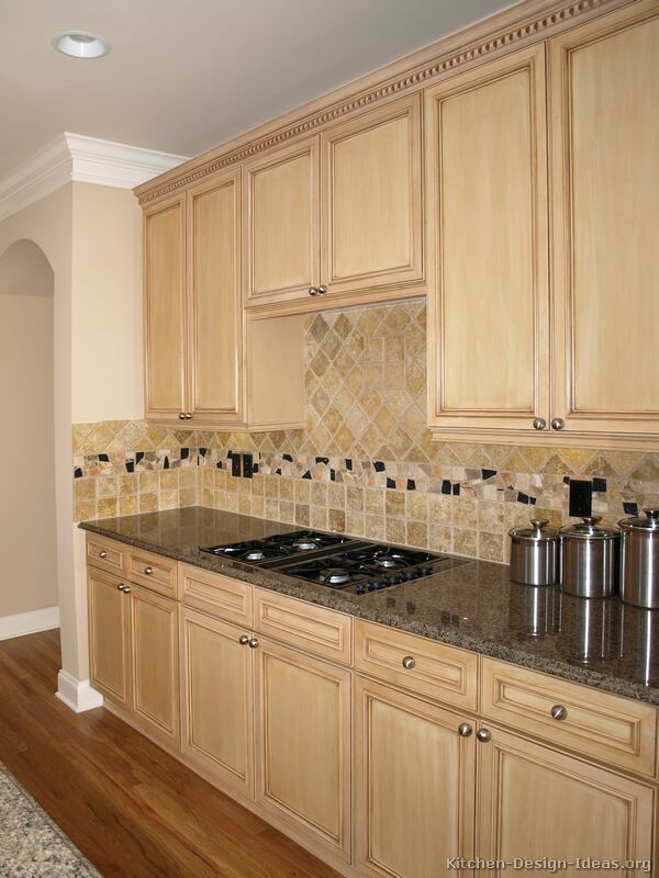 Pictures Of Kitchens Traditional Light Wood Kitchen Cabinets Kitchen 17
