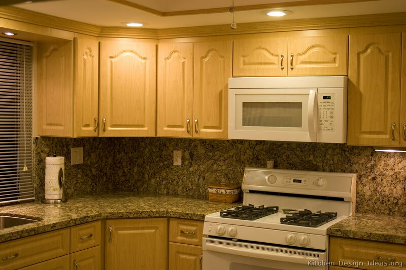 Pictures of kitchens traditional light wood kitchen cabinets kitchen 20 Kitchen design with light oak cabinets
