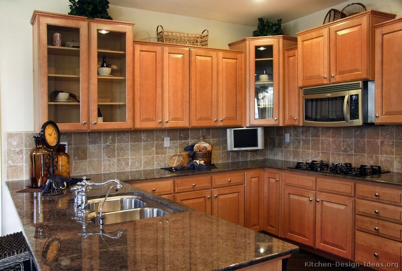 Pictures of kitchens traditional light wood kitchen for Normal kitchen pictures