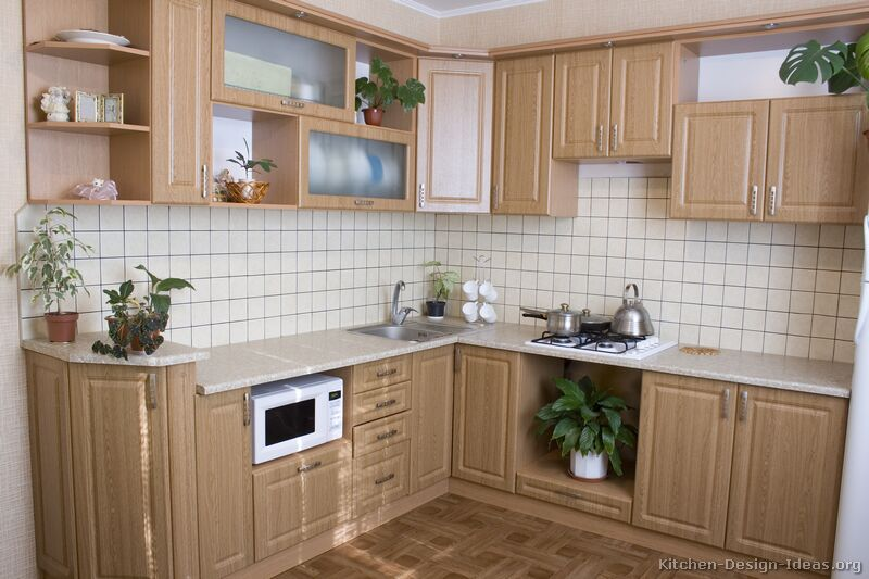 Pictures of kitchens traditional light wood kitchen for Kitchen cupboard ideas