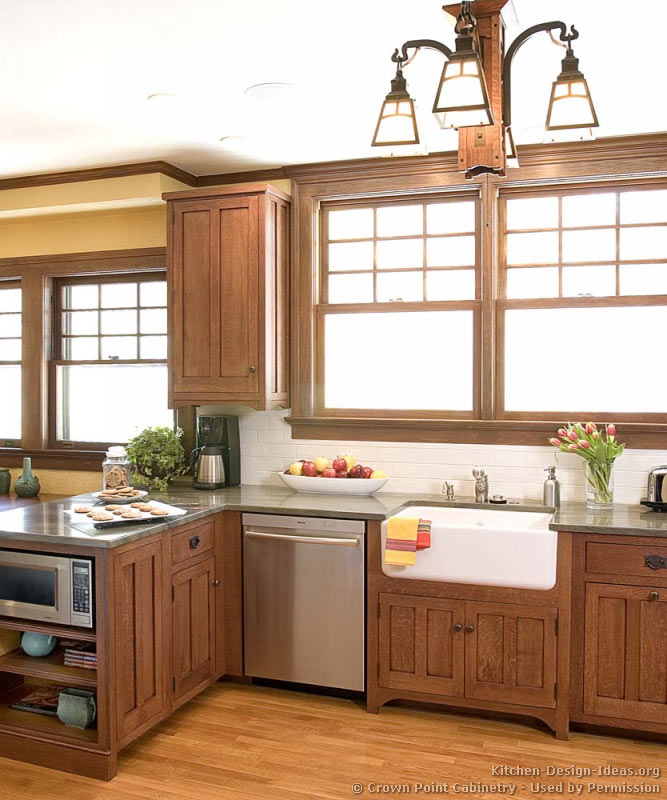 Farmhouse Kitchen Cabinets: Craftsman Kitchen Design Ideas And Photo Gallery