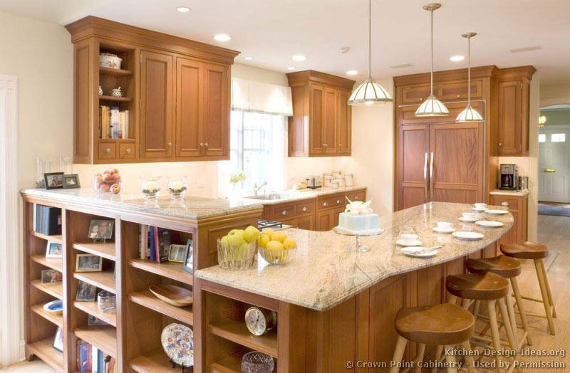 Pictures of kitchens traditional light wood kitchen for Peninsula kitchen designs