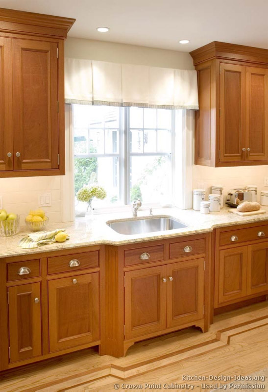 of Kitchens  Traditional  Light Wood Kitchen Cabinets (Kitchen #125