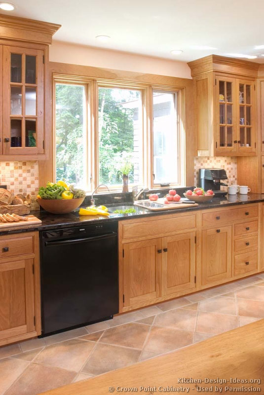 Shaker kitchen cabinets door styles designs and pictures - Kitchen design wood cabinets ...