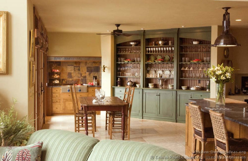 Pictures of kitchens traditional light wood kitchen for Traditional painted wood kitchens