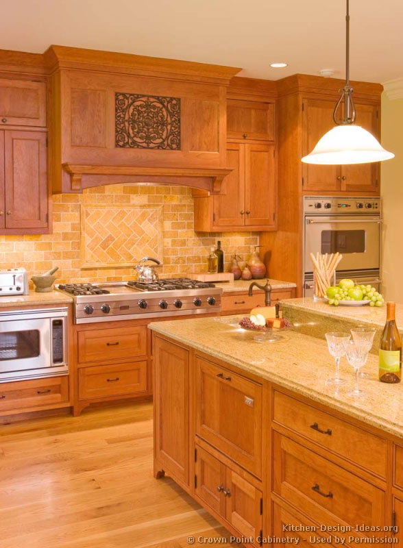 of Kitchens  Traditional  Light Wood Kitchen Cabinets (Kitchen #134