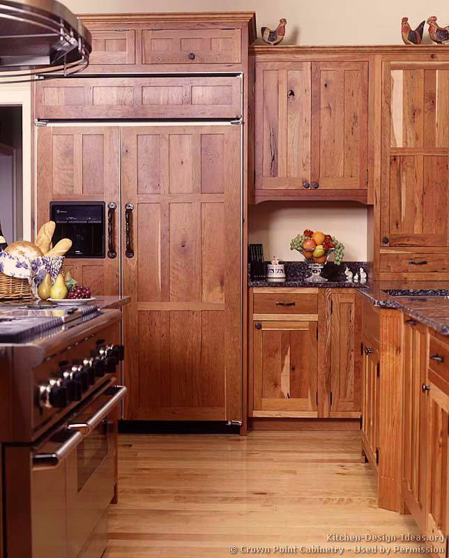 Arts and crafts style kitchen cabinet for Kitchen craft cabinets
