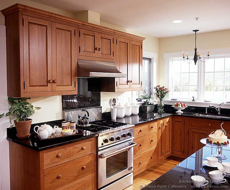 Shaker kitchen cabinets door styles designs and pictures for Shaker style kitchen hoods