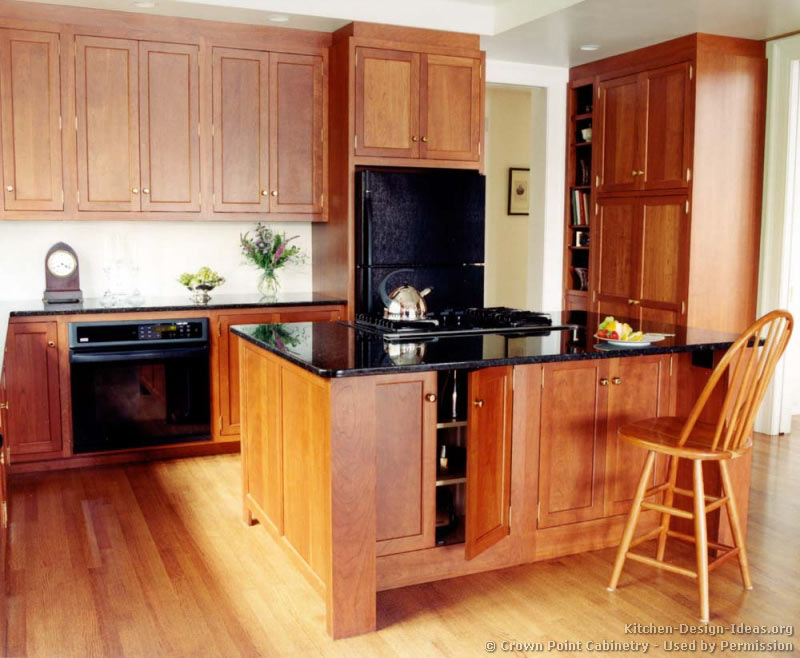 Cherry shaker kitchen cabinets design decorating image mag for Shaker kitchen cabinets