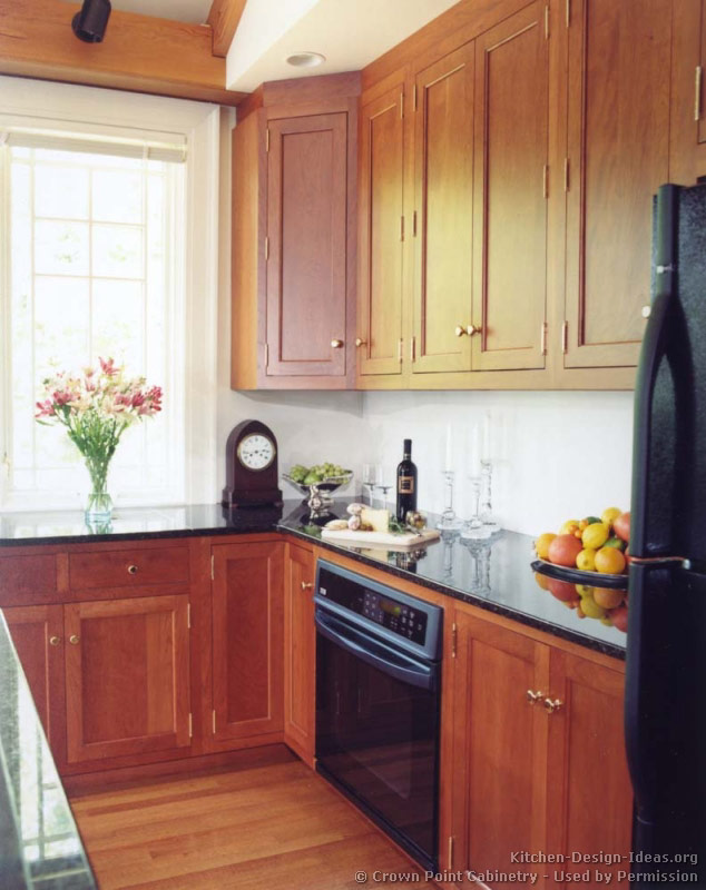 Light Cherry Kitchen Cabinets 02 Traditional Light Wood Kitchen