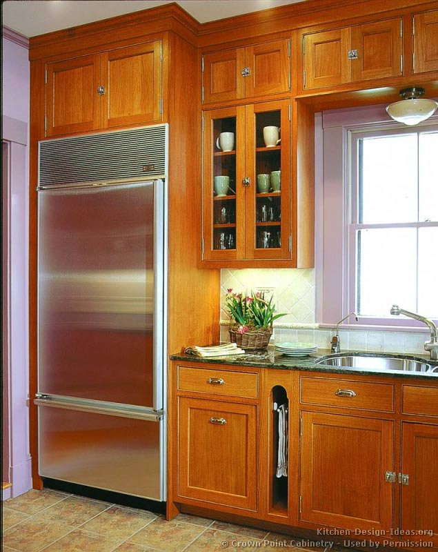 Pictures of kitchens traditional light wood kitchen for Built in kitchen cabinets